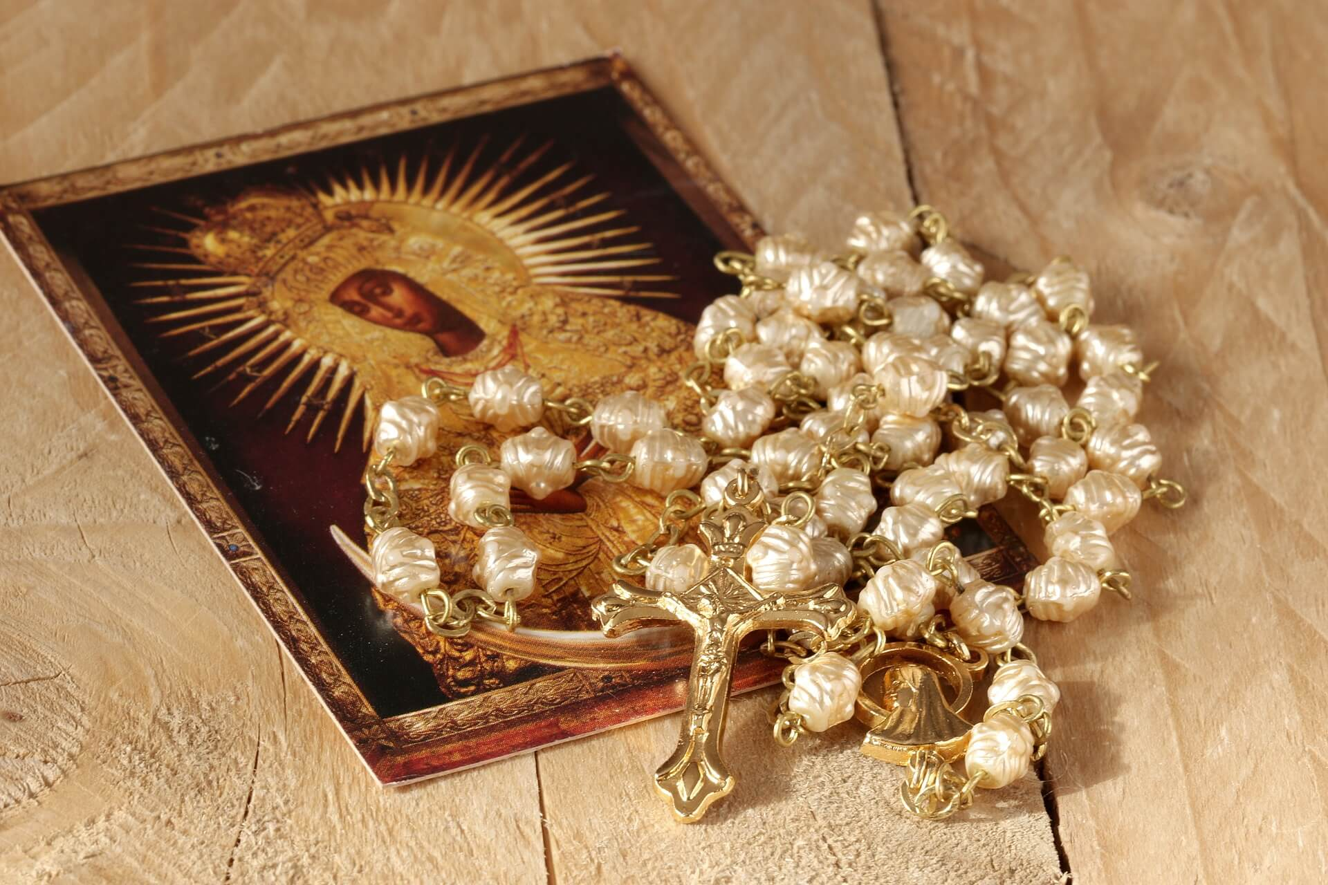 the-rosary-1766404_1920-1